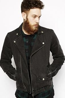 Giacca jeans nera, stile motociclista.