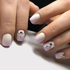 30 Graduation Nails Designs To Feel Like A Queen: Manicure With Stunning Crystals Nautical Nail Designs, Nautical Nail Art, Simple Nail Art Designs, Beautiful Nail Designs, Daisy Nail Art, Daisy Nails, How To Do Nails, Fun Nails, Graduation Nails