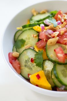 East African Mango and Cucumber Salad - The Wanderlust Kitchen - Eliza Bougie - East African Mango and Cucumber Salad - The Wanderlust Kitchen East African Cucumber & Mango Salad - so easy and different! Mango Salad, Cucumber Salad, Vegetarian Recipes, Cooking Recipes, Healthy Recipes, Nigerian Food, International Recipes, Soup And Salad, Salad Recipes
