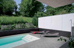 Encuentralos en www. Exterior Gris, Exterior Tiles, Outdoor Tiles, Outdoor Flooring, Outdoor Decor, Pool Designs, Light In The Dark, Swimming Pools, Backyard