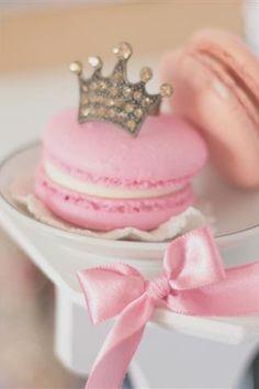 pink + crowns = love <3