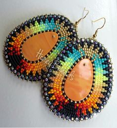 Excellent Images Beadwork brincos Strategies Bond stress can make a substantial impact on the way your bracelets looks. No-one really wants to shell out h Beaded Earrings Native, Beaded Earrings Patterns, Bead Loom Patterns, Beading Patterns, Bracelet Patterns, Applique Patterns, Fringe Earrings, Indian Beadwork, Native Beadwork