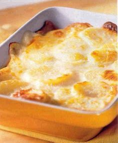 Aardappelgratin met boursin recept - Smulweb.nl ! Healthy Dessert Recipes, Smoothie Recipes, Dutch Recipes, Cooking Recipes, Cooking Stuff, Belgian Food, Food Porn, Oven Dishes, Happy Foods