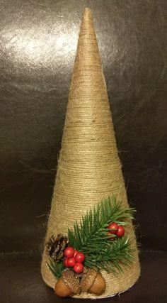 Homemade Christmas Tree, Christmas Crafts To Make, Christmas Projects, Holiday Crafts, Christmas Holidays, Christmas Wreaths, Christmas Ornaments, Handmade Christmas Decorations, Xmas Decorations