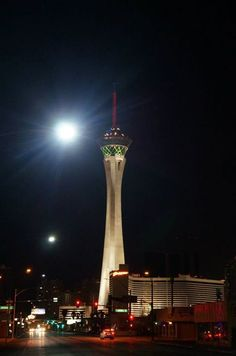 [Las Vegas, we have a dream in that place] 우리를 꿈꾸게 하는 그곳, 라스베이거스! #lasvegas #casino #usa #travel #landscape #라스베가스 #라스베이거스 #미국 #여행 #풍경 #전망대 #카지노 #stratosphere — 님이 라스베이거스에서 2013 July [U.S] Las Vegas +Hoover Dam+ Grand Canyon