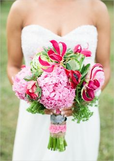 Pretty in pink country looking bouquet.