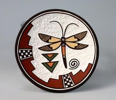 Artist: Marilyn Ray (Acoma Pueblo): Hand made plate with a dragonfly painted on it by Award Winning Acoma potter Marilyn Ray! It also has a etched finish around the dragonfly! Native American Artwork, Native American Symbols, Native American Pottery, American Indian Art, American Indians, Southwest Pottery, Southwest Art, Pueblo Native Americans, Mayan Symbols