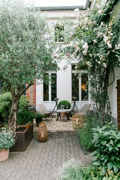 backyard patio inspiration backyard landscaping inspiration patio furniture inspiration small backyard design inspiration backyardgardens is part of Backyard patio designs - Small Backyard Design, Small Backyard Gardens, Backyard Patio Designs, Small Gardens, Patio Gardens, Small Courtyard Gardens, Courtyard Design, Terrace Garden, Small Garden Terrace Ideas