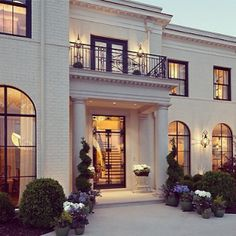dream house... The windows, the color, obsesseddd.