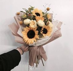 How To Wrap Flowers, Little Flowers, Summer Flowers, Beautiful Flowers, Fresh Flowers, No Rain No Flowers, Sunflower Bouquets, Luxury Flowers, Flower Aesthetic