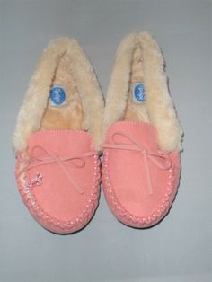 65b59d5e1f7f Floopi Women s Slipper Moccasin Size 9 Pink Medium NEW