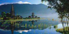 The Pura Ulun Danau lake temple in Bali. (Anders Blomqvist/LPI) (Credit: Anders Blomqvist/LPI)