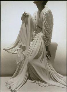 Subject: Madame Grès gown,  Photograph by Georgie Hoyningen-Huene 1936 | Réunion des Musées Nationaux-Grand Palais -