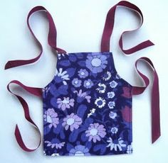 Flutterby Patch: Daisy chains and a doll's apron