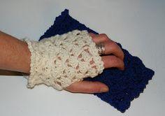CROCHETED HAND WARMERS IN TWO SIZES - free crochet pattern