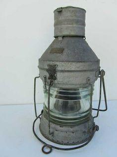 Grote antieke maritieme scheepslamp van zink, buitenlamp