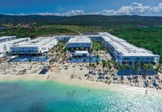 Why You Should Book a Stay at the New Riu Reggae!