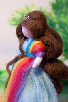 wool fairy, Fee aus Märchenwolle, fairy, felt, wool, craft, jahreszeitentisch, märchenwolle, waldorf, Regenbogen. rainbow