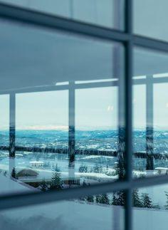 Hytte med anneks Norefjelltoppen | wood arkitektur+design Airplane View, Woods, Windows, Architecture, Home Decor, Cabins, Design, Modern Houses, House