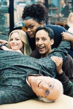 Chevy Chase, Danny Pudi, Gillian Jacobs, Yvette Nicole Brown. - s2.
