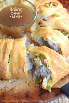 This Italian Beef Ring is a quick and easy dinner recipe. Make using my slow cooker italian beef, or store bought! Great game day appetizer too! Italian Beef Recipes, Slow Cooker Italian Beef, Easy Dinner Recipes, Easy Meals, Easy Recipes, Delicious Recipes, Veg Recipes, Sweets Recipes, Sandwich Recipes