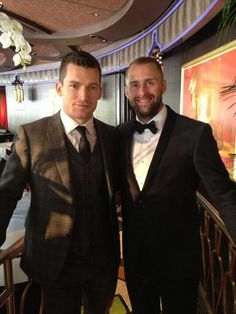 Former Bruins Andrew Ference and Rich Peverley reunite at the 2014 NHL Awards. Hot Hockey Players, Hockey Goalie, Hockey Teams, Ice Hockey, Hockey Stuff, Boston Bruins Goalies, Boston Celtics, Dont Poke The Bear, Nhl Awards