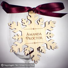 Snowflake Wedding Place Settings #wedding #placesetting #favour #winter by The Cross-Eyed Fox