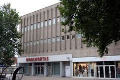 Woolworths and New Look 2009