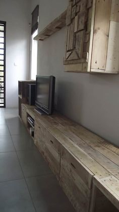 Long & Design Pallet TV Stand TV Stand & Rack