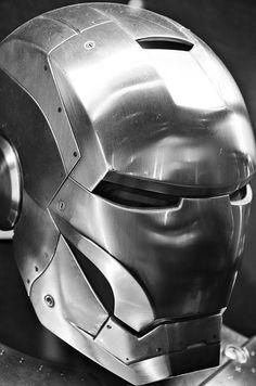 War Machine Iron Man, How To Make Iron, Iron Man Fan Art, Iron Man Cosplay, Iron Man Helmet, Iron Man Avengers, Armor Concept, Fantasy Warrior, Metal Art
