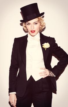 We've seen that look before! Madonna opts for a mannish Marlene Dietrich look for premiere of MDNA tour documentary Madonna Vogue, Lady Madonna, Madonna Looks, Madonna Fashion, Madonna 80s, Divas, Lady Gaga, Madona, Madonna Pictures