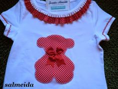 Tocados Almeida Baby Kids Clothes, Diy Clothes, Cute Tshirts, Tee Shirts, Mj Kids, Tutu Size Chart, Patchwork Baby, Sewing Accessories, T Shirt Diy