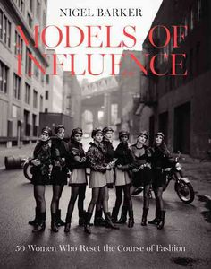 New York Times Bestseller Nigel Barkerfashion authority, photographer, and host of Oxygen's The Face presents 50 of the most influential models from the 1940s to today through a wealth of full-color p