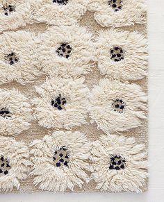 Wool Rya rug by @hannahome | #sunnydaygiveaway