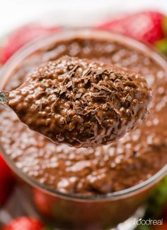 Chocolate Chia Pudding Recipe with almond or coconut milk, that tastes like dessert but has nutrition of a breakfast. Prepare for up to 5 days and just refrigerate. #ifoodreal #cleaneating #glutenfree #mealprep #healthy #recipe #recipes #chia