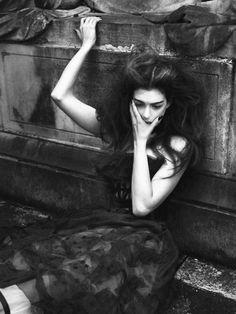 walkingthruafog:  Anne Hathaway  Photography: Marcus Pigott, Mert Alas  Stylist: Karl Templer