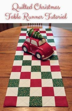 One of this week's Featured Favorites at the Tuesday PIN-spiration Link Party: Quilted Christmas Table Runner Tutorial. Get the instructions right here: Table Runner Christmas, Christmas Placemats, Table Runner Tutorial, Table Runner Pattern, Patchwork Table Runner, Table Runner And Placemats, Christmas Patchwork, Christmas Sewing, Christmas Quilting