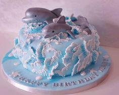 Dolfins swimming in your cream  waves cake decoration inspiration