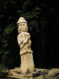 Slavic totem (statue of Svetovid) in Sobótka, under the Ślęża mountain, Poland Tatra Mountains, Chur, Totems, Pagan, Statues, Mythology, Mystic, National Parks, Hands