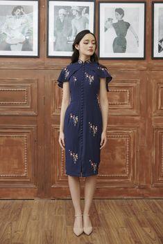 Model Dress Batik, Batik Dress, Simple Dresses, Casual Dresses, Fashion Dresses, Royal Clothing, Batik Fashion, Bridesmaid Dress Styles, Cheongsam Dress