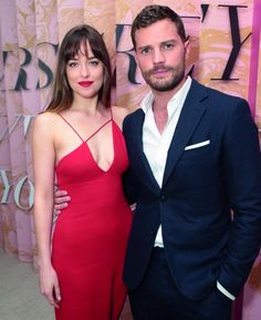 Flawless as always! Dakota at the Fifty Shades Brought To Life Pop-Up and Fifty Shades Freed Fan Screening in Los Angeles, California (Feb. 1st) via @50tonsdecinza. Cr. @DakotaJLife