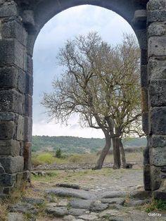 Porte enceinte de basilique - Sicile