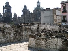 Ruins of Tenochtitl�n lie in the center of Mexico City.