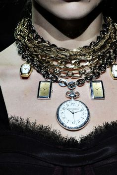 fashionisfullofchic:  Dolce&Gabbana A/W 09/10 Details
