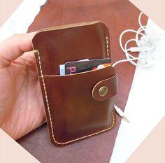 c0c3dd1905 Articoli simili a Custodia cover in pelle Iphone portafogli su Etsy