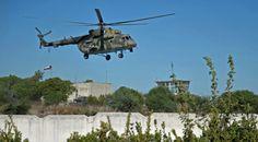 Những người bạn của Sky+:   Một chiếc Mi-8 bay bên trên căn cứ Khmeimim của ...
