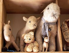I ❤vintage stuffed animals.. They are too precious.. I can never leave them at Estate sales... They usually come home with me