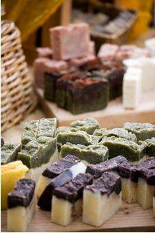 How to start a soapmaking business.  Good tips and sources