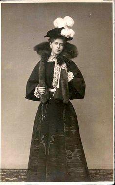 Princess Marie of Romania, future Queen of Romania (nee Princess of . Queen Mary, King Queen, Romanian Royal Family, Alexandra Feodorovna, Royal King, Princess Alexandra, German Women, Save The Queen, History Photos