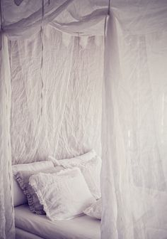 { canopy bed } decor, canopi, dreamy whites, canopy beds, white bedrooms, white bedding, place, dream bed, linen